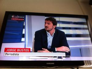 Bustos debutando como tertuliano en Telemadrid el 21 de junio de 2013, último eslabón en el proceso de la decadencia tertuliana.