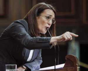 Soraya acusa. La Zola del PSOE.
