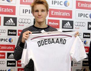 Odegaard sabe elegir.