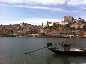 Oporto desde la ribera de Gaia, que huele a Duero y a vino añejo.