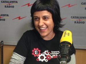 Anna Gabriel, en cuya camiseta figuran los engranajes de su mente.