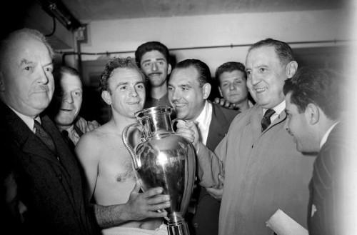 Adios al primer grande de la historia del futbol, hasta siempre Don Alfredo Di Stefano